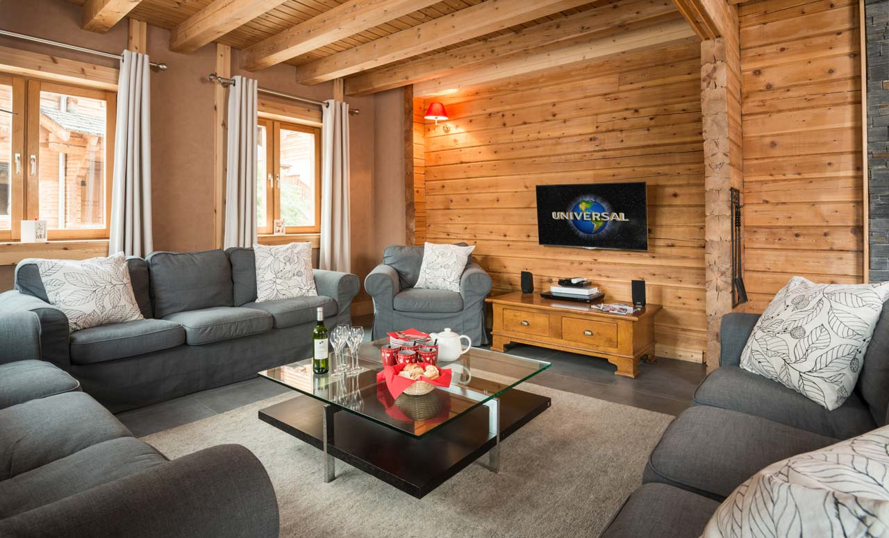Chalet Aurelia lounge from The Freeride Republic