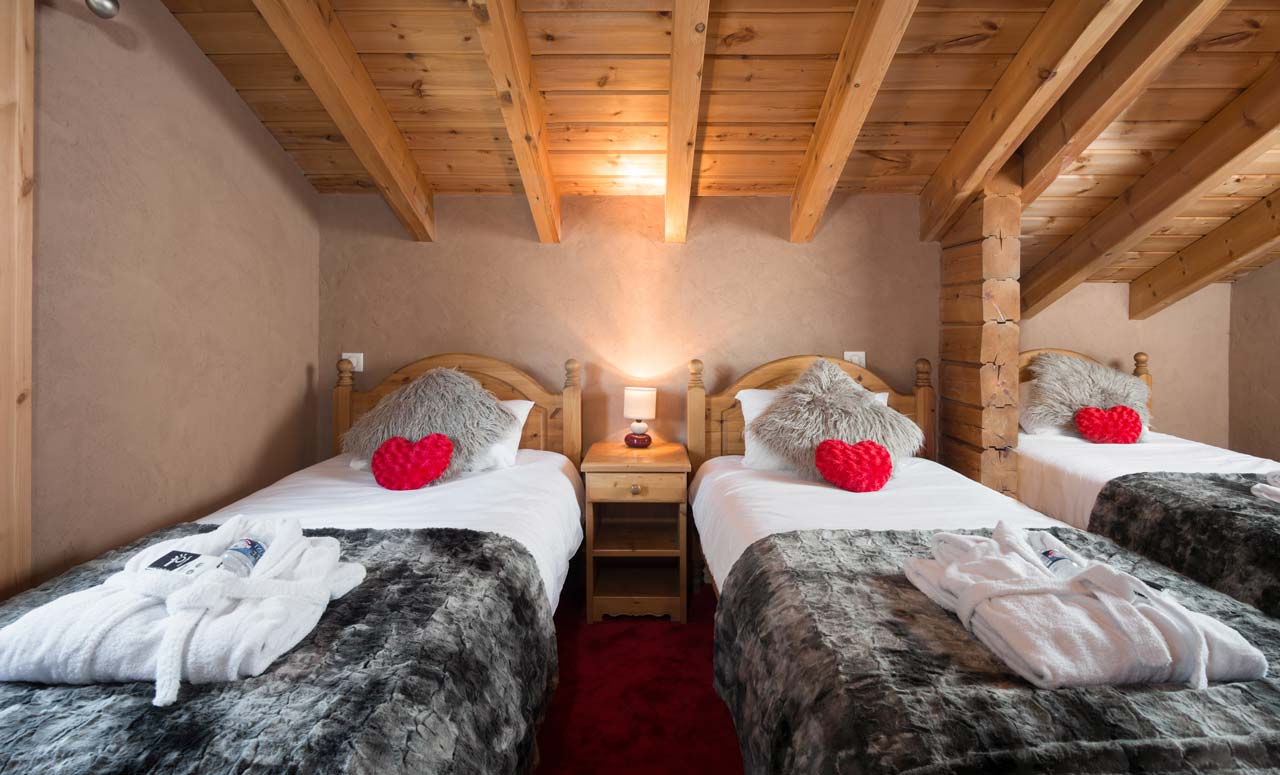 Chalet Aurelia bedroom from The Freeride Republic