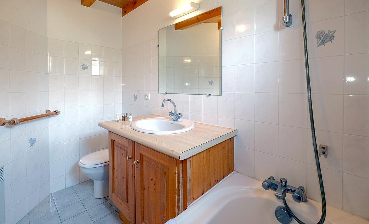 Chalet Himalaya Bathroom
