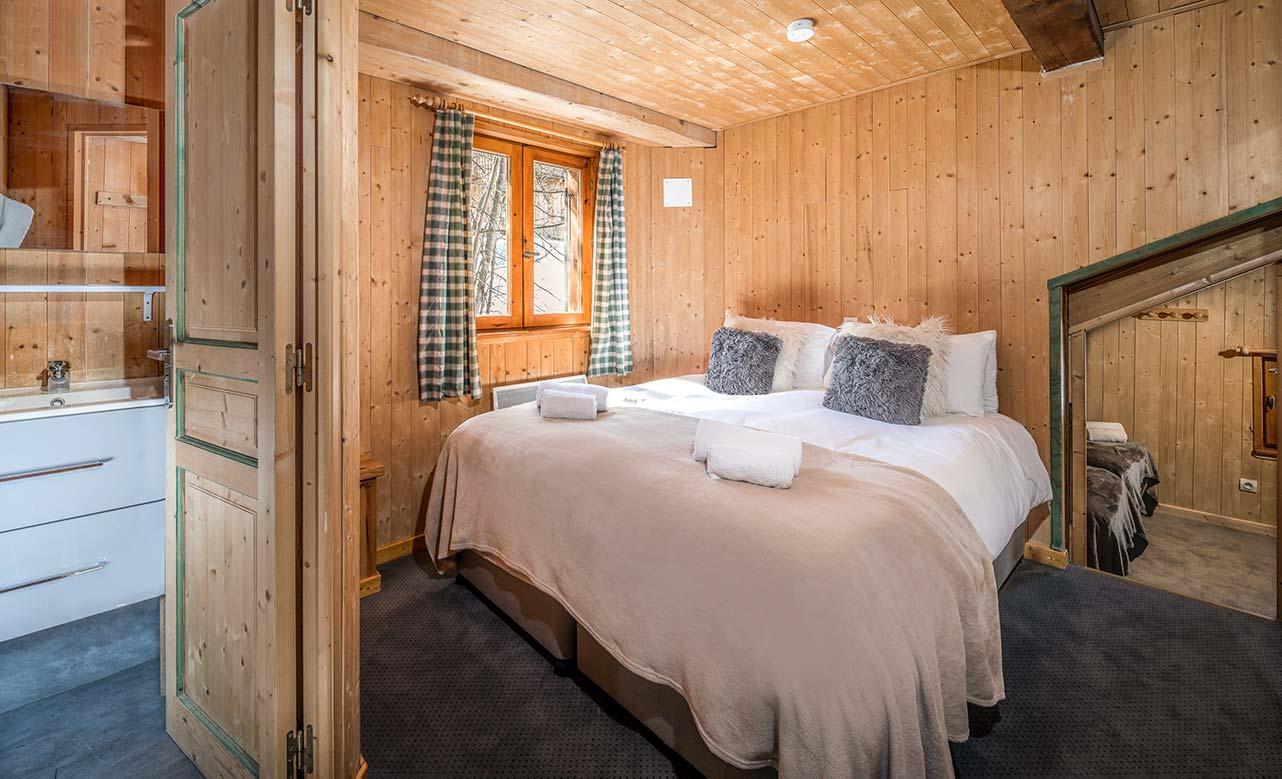Chalet Titania - Double Bedroom 1