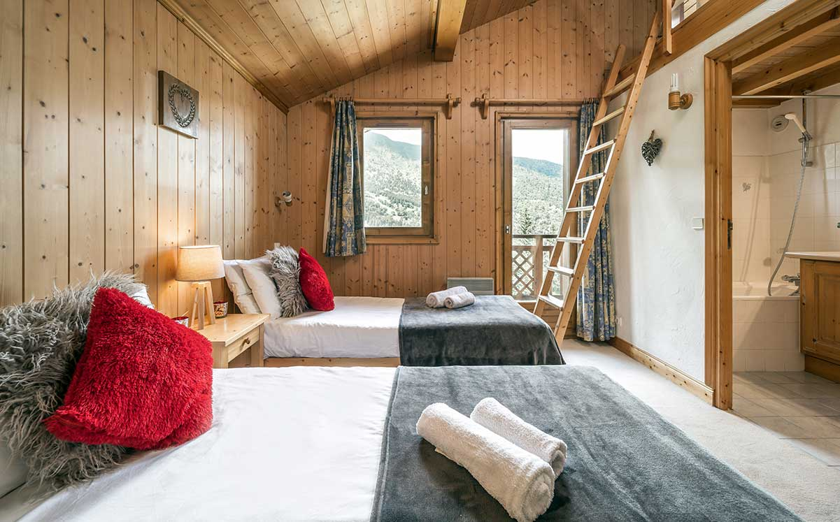 Chalet Himalaya: Bright And Spacious Catered Chalet In Meribel Centre